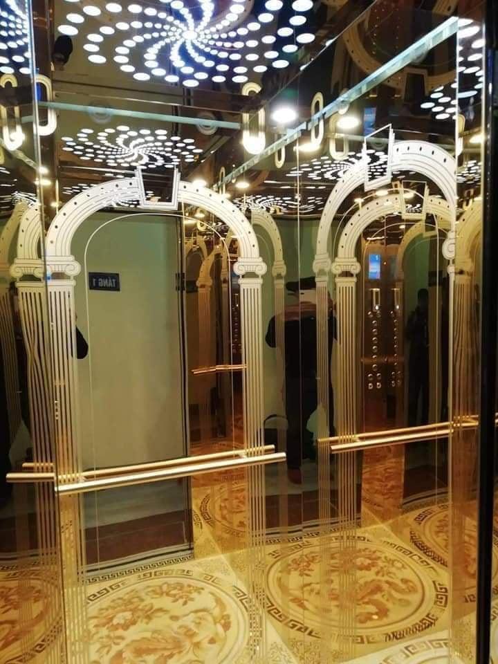 thang máy liên doanh